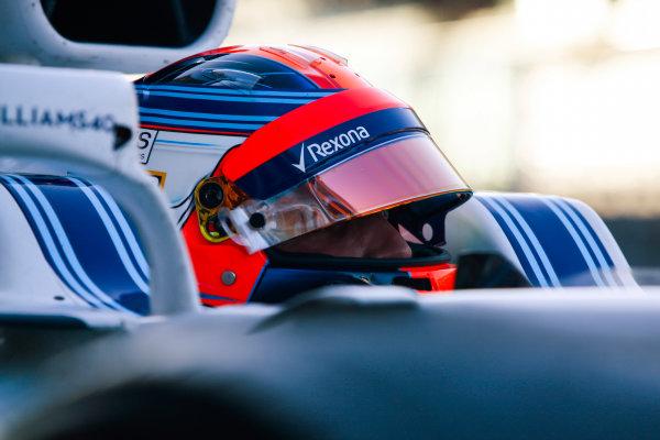 Yas Marina Circuit, Abu Dhabi, United Arab Emirates. Wednesday 29 November 2017. Robert Kubica, Williams Martini Racing.  World Copyright: Joe Portlock/LAT Images  ref: Digital Image _L5R0954