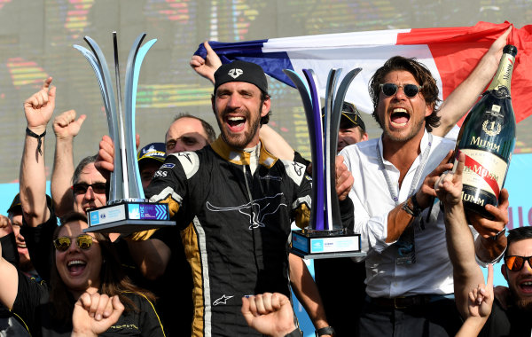 Jean-Eric Vergne (FRA), TECHEETAH, Renault Z.E. 17, celebrates with his team on the podium.