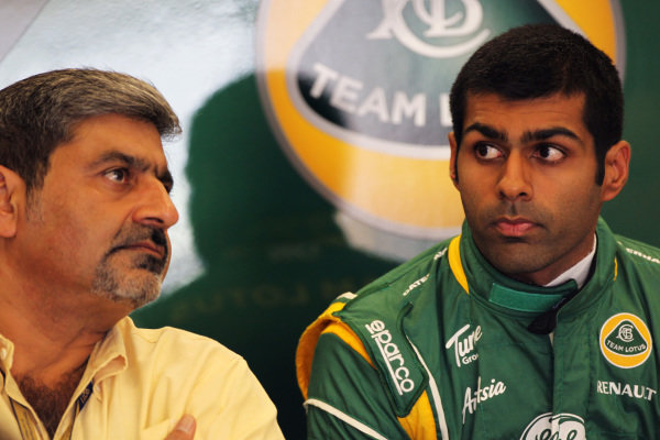 (L to R): Vicky Chandhok (IND) with son Karun Chandhok (IND) Team Lotus. Formula One World Championship, Rd 10, German Grand Prix, Practice Day, Nurburgring, Germany, Friday 22 July 2011.  BEST IMAGE