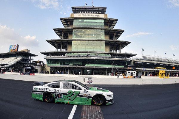 #27: J.J. Yeley, Rick Ware Racing, Ford Mustang