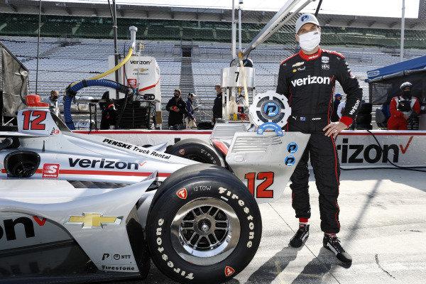 NTT P1 Award winner #12: Will Power, Team Penske Chevrolet celebrates his pole position