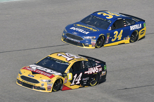 #14: Clint Bowyer, Stewart-Haas Racing, Ford Fusion Rush Truck Centers/Haas Automation VF1 and #34: Michael McDowell, Front Row Motorsports, Ford Fusion Speedco/Rotella