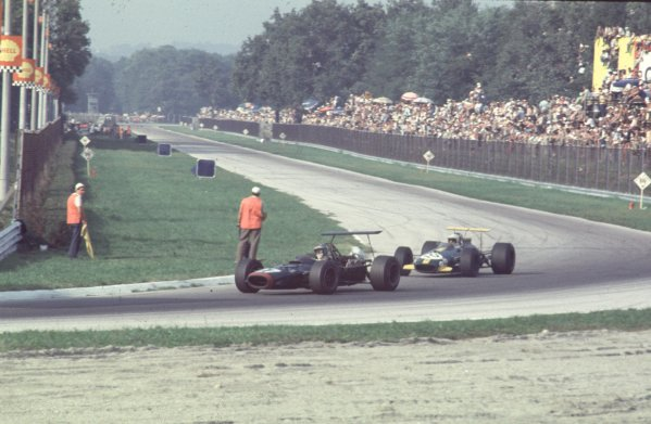 1968 Italian Grand Prix.Monza, Italy.6-8 September 1968.Piers Courage (BRM P126) leads Jack Brabham (Brabham BT26 Repco) into Parabolica. Courage finished in 4th position.Ref-68 ITA 27.World Copyright - LAT Photographic