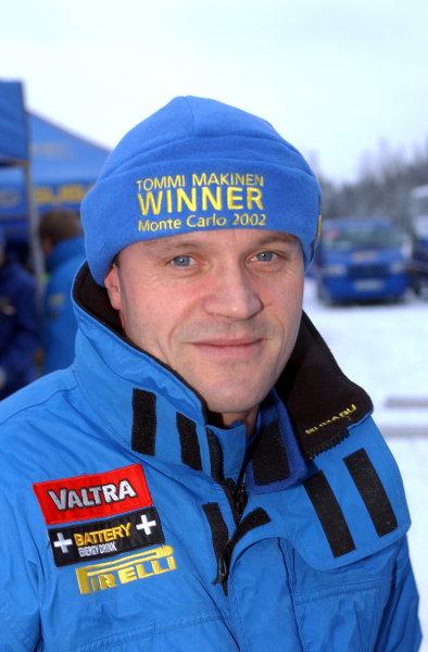 2002 World Rally ChampionshipUddeholm Swedish Rally, 1st-3rd February 2002.Tommi Makinen wears the right hat!.Photo: Ralph Hardwick/LAT