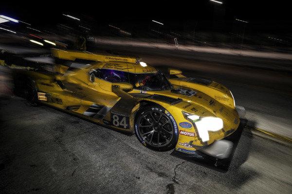 #84 JDC-Miller Motorsports Cadillac DPi, DPi: Simon Trummer, Stephen Simpson, Chris Miller, pit stop