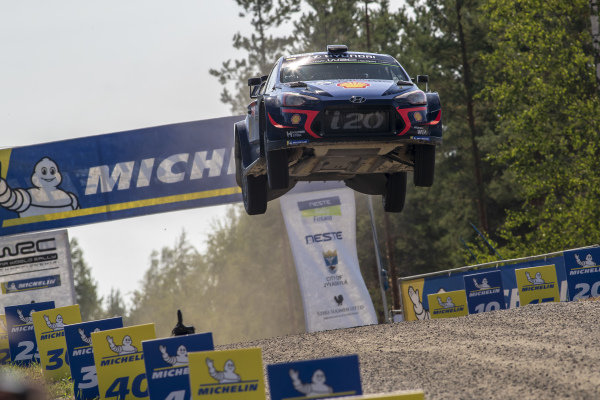 Thierry Neuville made a massive jump on the Rally Finland Power Stage
