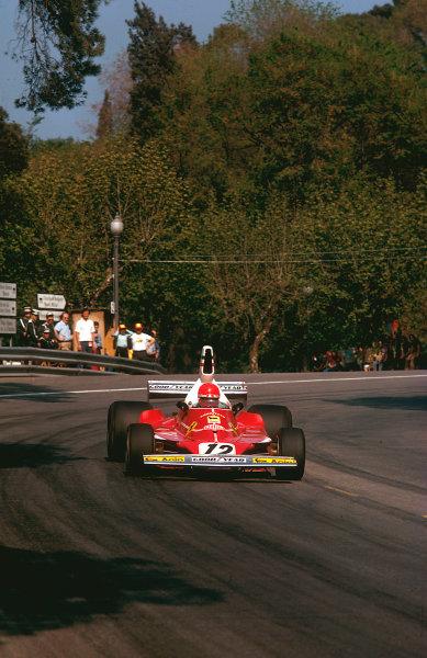 1975 Spanish Grand Prix.Monjuich Park, Barcelona, Spain. 25-27 April 1975.Niki Lauda (Ferrari 312T). Ref-75 ESP 13.World Copyright - LAT Photographic