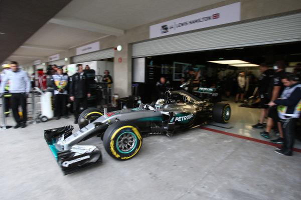Lewis Hamilton (GBR) Mercedes-Benz F1 W07 Hybrid at Formula One World Championship, Rd19, Mexican Grand Prix, Practice, Circuit Hermanos Rodriguez, Mexico City, Mexico, Friday 28 October 2016.
