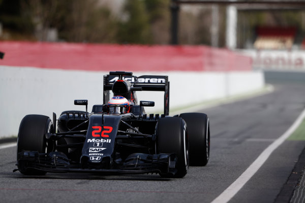 Circuit de Catalunya, Barcelona, Spain Monday 22 February 2016. Jenson Button, McLaren MP4-31 Honda. World Copyright: Sam Bloxham/LAT Photographic ref: Digital Image _SBL4621
