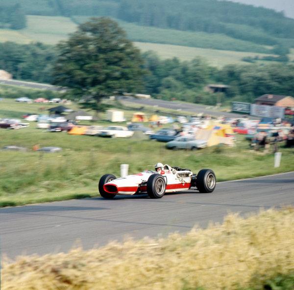 Spa-Francorchamps, Belgium.16-18 June 1967.John Surtees (Honda RA273).Ref-3/2956.World Copyright - LAT Photographic