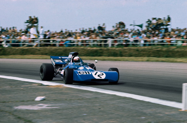 Silverstone, Great Britain. 15-17 July 1971.Jackie Stewart (Tyrrell 003-Ford Cosworth), 1st position, action.World Copyright: LAT PhotographicRef: 35mm Transparency.