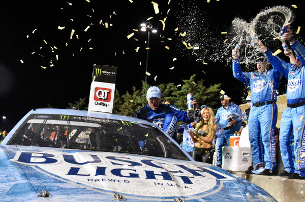 #4: Kevin Harvick, Stewart-Haas Racing, Ford Fusion Busch Light