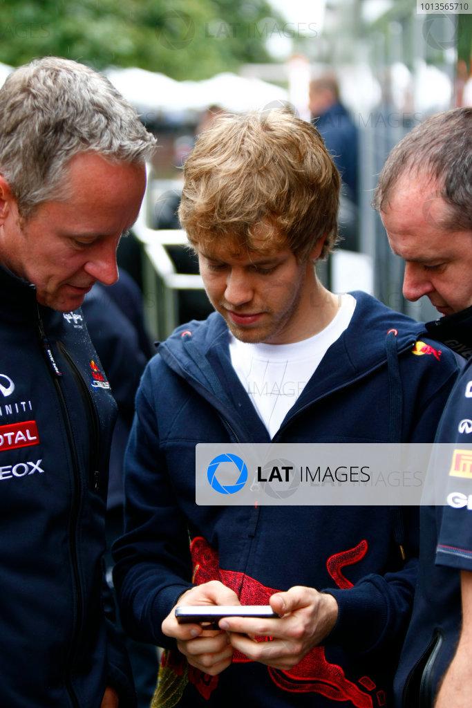 Albert Park, Melbourne, Australia24th March 2011.Sebastian Vettel, Red Bull Racing RB7 Renault.World Copyright: Charles Coates/LAT Photographicref: Digital Image _26Y5748