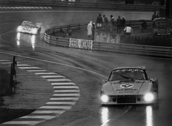 Le Mans, France. 14th - 15th June 1980.Xavier Lapeyre/Jean-Louis Trintignant/Anny-Charlotte Verney (Porsche 935 K3), retired, action. World Copyright: LAT Photographic.Ref: B/WPRINT.