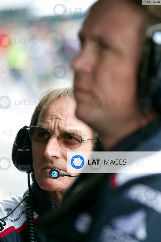 Albert Park, Melbourne, Australia25th March 2011.Dickie Stanford, Team Manager, Williams F1. Portrait. World Copyright: Charles Coates/LAT Photographicref: Digital Image