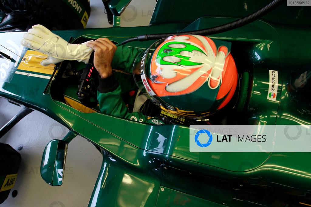 Albert Park, Melbourne, Australia25th March 2011.Karun Chandhok, Lotus T128 Renault. Portrait. Helmets. World Copyright: Charles Coates/LAT Photographicref: Digital Image _X5J7945
