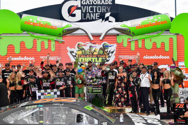 Monster Energy NASCAR Cup Series Tales of the Turtles 400 Chicagoland Speedway, Joliet, IL USA Sunday 17 September 2017 Martin Truex Jr, Furniture Row Racing, Furniture Row/Denver Mattress Toyota Camry and team in victory lane World Copyright: Logan Whitton LAT Images