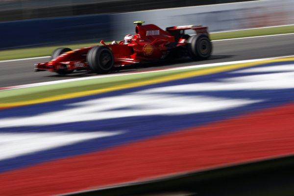 2007 Italian Grand Prix - Friday PracticeAutodromo di Monza, Monza, Italy.7th September 2007.Kimi Raikkonen, Ferrari F2007. Action. World Copyright: Lorenzo Bellanca/LAT Photographicref: Digital Image _64I5505