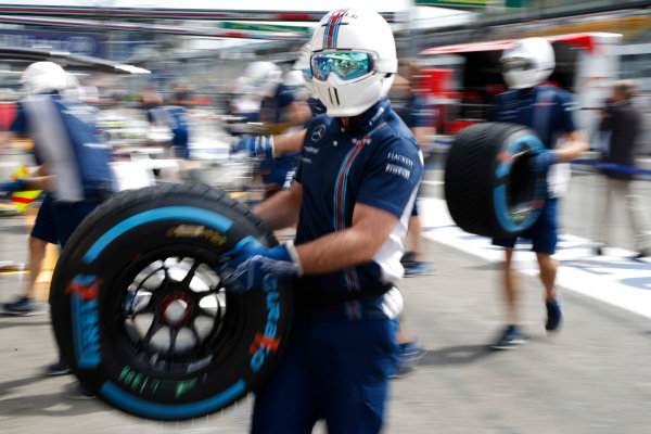 Hockenheim, Germany. Thursday 28 July 2016. Williams mechanics carry wet weather tyres during a practice pit stop. World Copyright: Dunbar/LAT Photographic ref: Digital Image _W2Q9533
