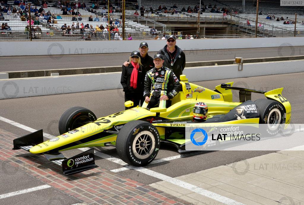 17-18 May, 2014, Indianapolis, Indiana, USA #22 Sage Karam, Dreyer & Reinbold-Kingdom Racing with Dennis Reinbold and family ©2014 Dan R. Boyd LAT Photo USA