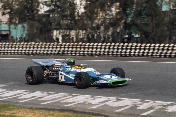 1970 Mexican Grand Prix. Mexico City, Mexico. 23-25 October 1970. Henri Pescarolo (Matra-Simca MS120), 9th position, action.  World Copyright: LAT Photographic. Ref:  70 MEX 37.