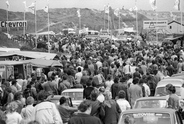 The crowd pour into the circuit before the start of the race.Dutch Grand Prix, Rd 8, Zandvoort, Holland, 22 June 1975.