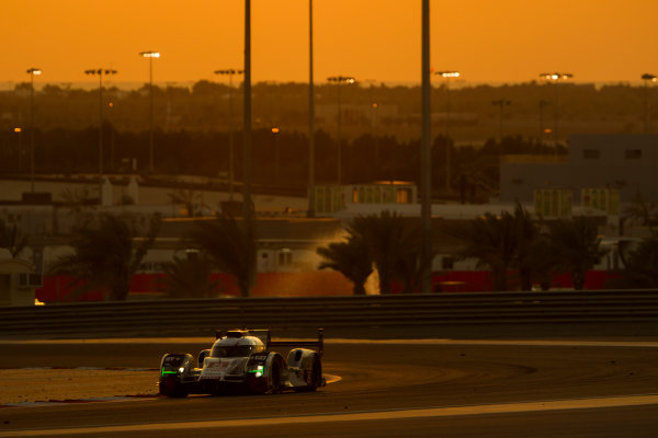 2015 FIA World Endurance Championship Bahrain 6-Hours Bahrain International Circuit, Bahrain Saturday 21 November 2015.Lucas Di Grassi, Lo?c Duval, Oliver Jarvis (#8 LMP1 Audi Sport Team Joest Audi R18 e-tron quattro). World Copyright: Sam Bloxham/LAT Photographic ref: Digital Image _G7C1756