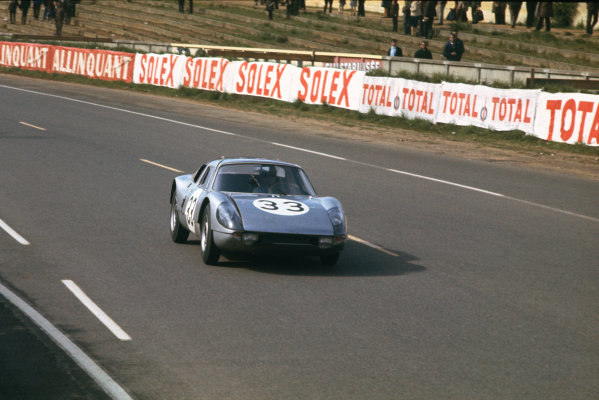 Le Mans, France. 19th - 20th June 1965. Gerhard Mitter/Colin Davis (Porsche 904/8), retired, action.  World Copyright: LAT Photographic. Ref: 65LM06.