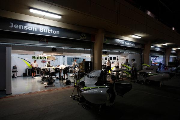 Bahrain International Circuit, Sakhir, Bahrain24th April 2009The Brawn GP garage by night. Garages. Atmosphere. World Copyright: Andrew Ferraro/LAT Photographicref: Digital Image _H0Y8763