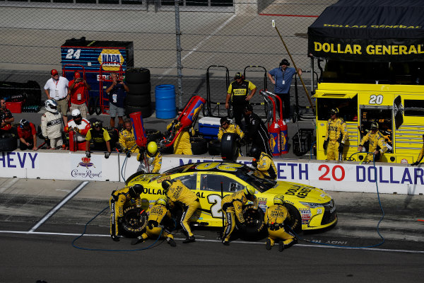 22-24 July, 2016, Indianapolis, Indiana USA Matt Kenseth, Dollar General Toyota Camry, pit stop ?2016, Michael L. Levitt LAT Photo USA
