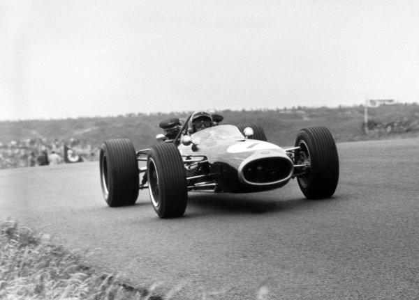1967 Dutch Grand Prix.Zandvoort, Holland. 4 June 1967.Jack Brabham, Brabham BT19-Repco, 2nd position, action.World Copyright: LAT PhotographicRef: L67/377-379 series