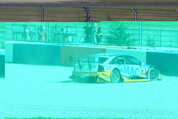 2005 DTM ChampionshipLausitz, Germany. 17th - 18th September 2005Marcel Fassler (Opel Vecrta GTS V8) in the gravel.World Copyright: Andre Irlmeier / LAT Photographicref: Digital Image Only