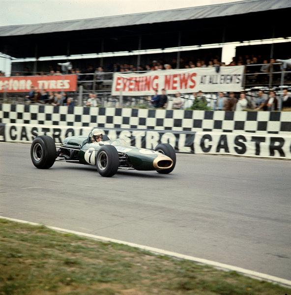 1966 British Grand Prix.Brands Hatch, England.14-16 July 1966.Chris Irwin (Brabham BT11 Climax) 7th position.Ref-66 GB MF01.World Copyright - LAT Photographic