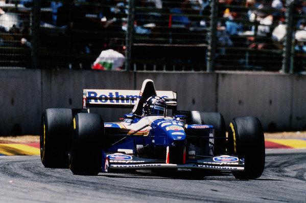 1995 Australian Grand Prix. Adelaide, Australia. 10-12 November 1995. Damon Hill (Williams FW17B Renault) 1st position. Ref-95 AUS 19. World Copyright - LAT Photographic