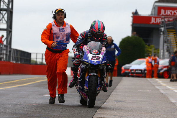 Alex Lowes, Pata Yamaha after crash.