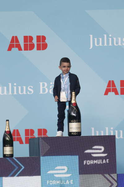Son of Sébastien Buemi (CHE), Nissan e.Dams, on the podium