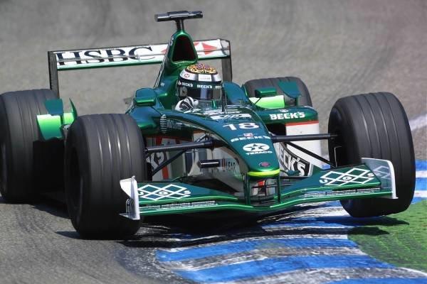 Eddie Irvine(GBR) Jaguar Cosworth R2 German Grand Prix Practice, Hockenheim 27 July 2001 DIGITAL IMAGE
