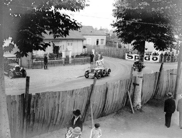 1930 Le Mans 24 hours.Le Mans, France. 21-22 June 1930.Roger Bourcier/Louis Debeugny (Tracta A28), 9th position.Ref-Motor 705/6.World Copyright - LAT Photographic