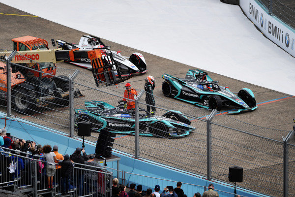 Alex Lynn (GBR), Panasonic Jaguar Racing, Jaguar I-Type 3, retires from the race