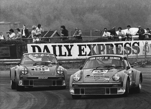 Silverstone, England. 9th May 1976. Rd 3.Lella Lombardi/Heinz Martin (Porsche 934 Turbo), 5th position, leads Hubert Striebig/Guy Chasseuil (Porsche 934 Turbo), retired, action. World Copyright: LAT Photographic.Ref:  B/WPRINT.