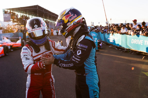 2016/2017 FIA Formula E Championship. Marrakesh ePrix, Circuit International Automobile Moulay El Hassan, Marrakesh, Morocco. Felix Rosenqvist (SWE), Mahindra Racing, Spark-Mahindra, Mahindra M3ELECTRO congratulates Sebastien Buemi (SUI), Renault e.Dams, Spark-Renault, Renault Z.E 16.  Saturday 12 November 2016. Photo: Sam Bloxham/LAT/Formula E ref: Digital Image _SLA8369
