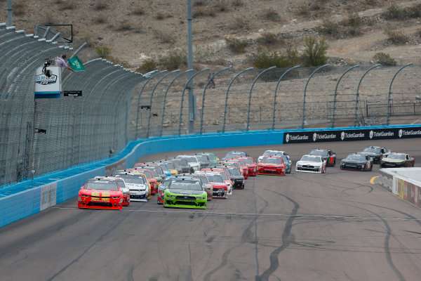 NASCAR Xfinity Series DC Solar 200 ISM Raceway, Phoenix, AZ USA Saturday 10 March 2018 Justin Allgaier, JR Motorsports, Chevrolet Camaro BRANDT Professional Agriculture and Brad Keselowski, Team Penske, Ford Mustang Fitzgerald Glider Kits lead the field to the green flag World Copyright: Barry Cantrell NKP / LAT Images