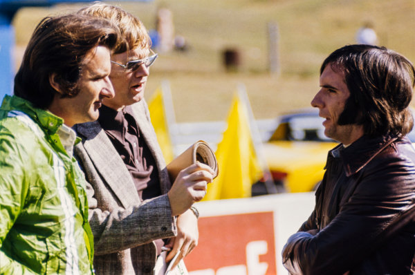 1973 Canadian Grand Prix.  Mosport Park, Ontario, Canada. 21st - 23rd September 1973.  Wilson Fittipaldi (Brabham BT42-Ford), 11th position and Emerson Fittipaldi (Lotus 72D-Ford), 2nd position, in conversation with Motoring News's Alan Henry, portrait. World Copyright: LAT Photographic.