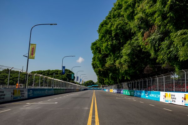 2016/2017 FIA Formula E Championship. Buenos Aires ePrix, Buenos Aires, Argentina. Friday 17 February 2017. A view of the track Photo: Zak Mauger/LAT/Formula E ref: Digital Image _L0U8117