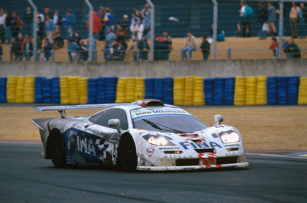 1997 Le Mans 24 Hours. Le Mans, France. 14th - 15th June 1997. Roberto Ravaglia/Eric Helary/Peter Kox (McLaren F1 GTR), 3rd position, action.  World Copyright: LAT Photographic. Ref:  97LM23