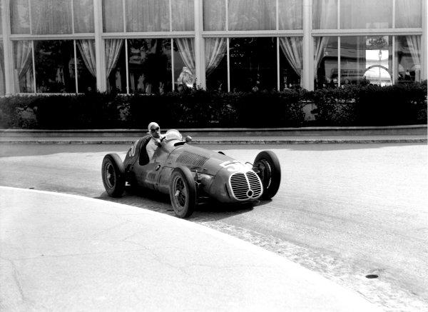 """1950 Monaco Grand Prix.Monaco, Monte Carlo. 21st May 1950.""""B Bira"""" (Maserati 4CLT/48). Ref-C26711.World Copyright: LAT Photographic"""