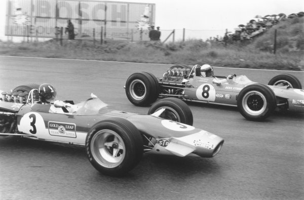 1968 Dutch Grand Prix.Zandvoort, Holland. 23 June 1968.Graham Hill (Lotus 49B-Ford Cosworth, number 3) and Jackie Stewart (Matra MS10-Ford Cosworth, number 8). Stewart finished in 1st position. Ref-834C #27A.World Copyright - LAT Photographic