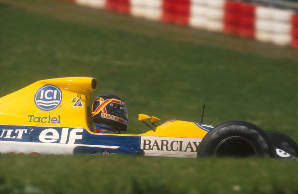 1990 San Marino Grand Prix.Imola, Italy.11-13 May 1990.Thierry Boutsen (Williams FW13B Renault). He was leading after Senna retired, until lap 17 when he engaged the wrong gear and blew his engine.Ref-90 SM 18.World Copyright - LAT Photographic