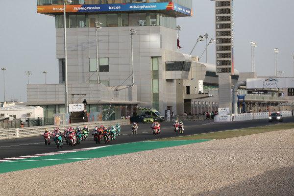 Start action, Darryn Binder, Petronas Sprinta Racing leads.