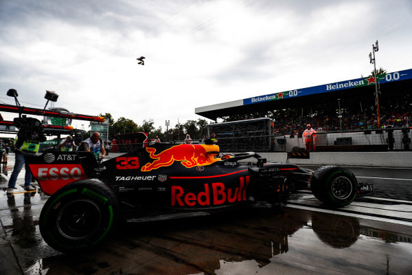 Max Verstappen, Red Bull Racing RB14 Tag Heuer, leaves the garage.
